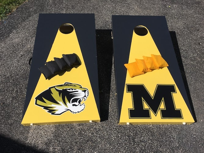 Love this cornhole set!