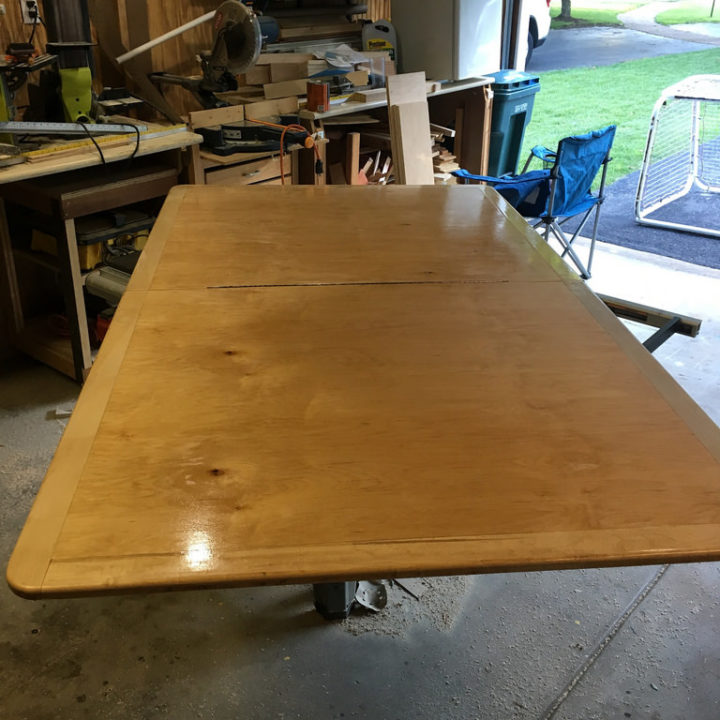 10-seat Table Topper